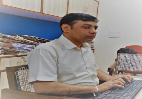 Mr. Rakesh Kumar (Ahlmad-1)